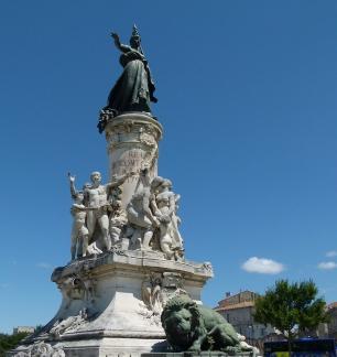 c-avignon-monument
