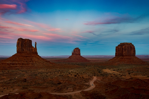 a-monument-valley-pink-sky