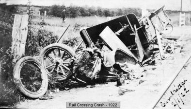 Img_012_Crossing crash340