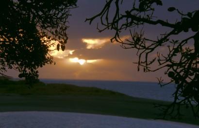 c-sunset at raglan00