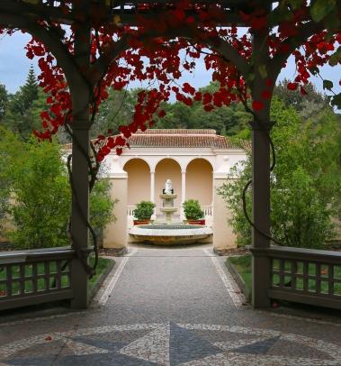 a-An Autumn Entrance