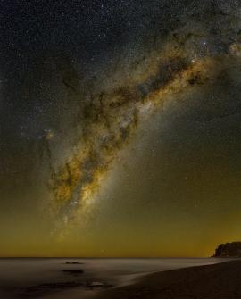 A-Milky_Way_over_Onemana