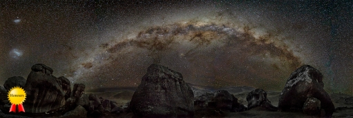 A-Milky_Way_over_Castle_Hill
