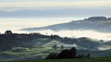 b-Pylons_in_the_mist