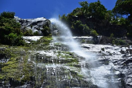 b-milford-sound-waterfall