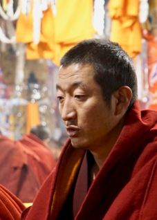 b-Tibetin Monk