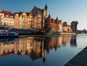 C-Sunrise-Old-Harbour-Gdansk