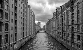 a-Hamburg Canal