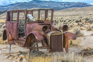 b-Floating Old Car