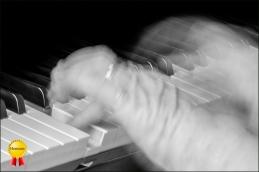 b-Pianist