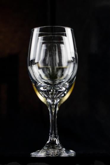 B-Wine_glass